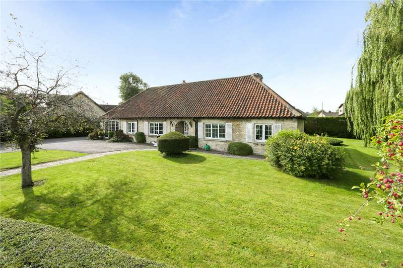 3 Bedrooms Detached Bungalow for sale in Parkfield Road, Pucklechurch, Bristol, Gloucestershire, BS16
