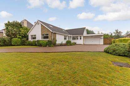 4 Bedrooms Bungalow for sale in Stewarton Drive, Cambuslang