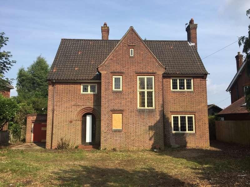 4 Bedrooms Detached House for sale in 37 Ipswich Road, Norwich, Norfolk