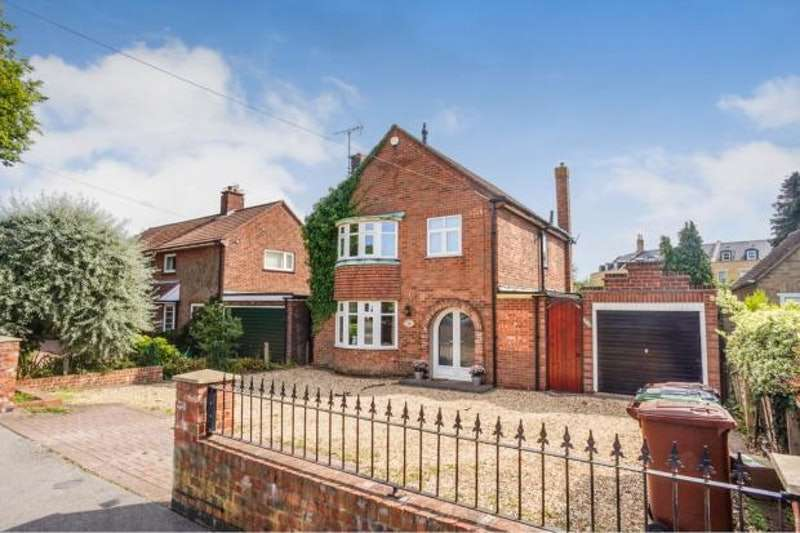 3 Bedrooms Detached House for sale in Yarborough Crescent, Lincoln, Lincolnshire, LN1