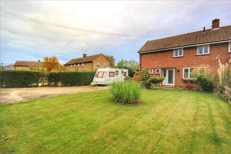 3 Bedrooms Semi Detached House for sale in Cornerth Crescent, Great Cornard