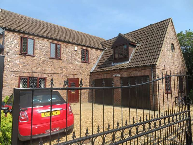 4 Bedrooms Detached House for sale in Kingswood Park, Wisbech, Cambs, PE13 2US