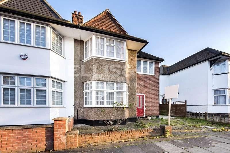 3 Bedrooms Property for sale in Golders Gardens, London