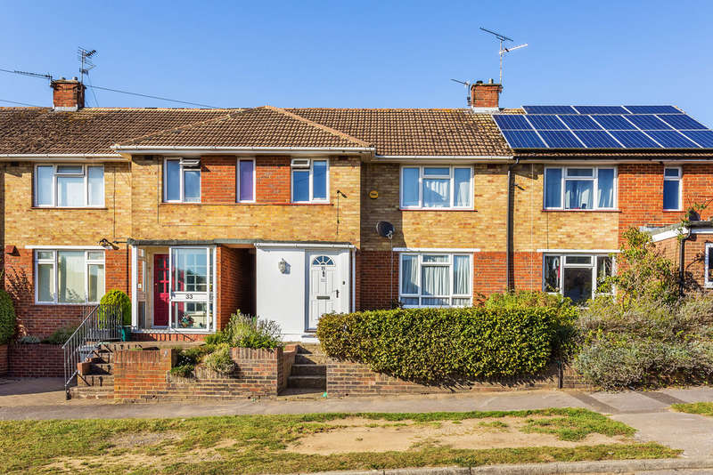 3 Bedrooms Terraced House for sale in Blackthorn Road, Reigate, RH2