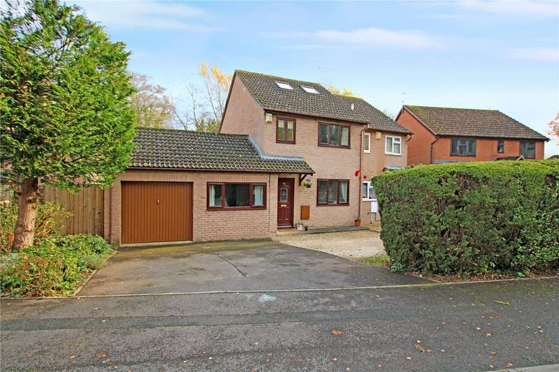 4 Bedrooms Semi Detached House for sale in Bramwell Close, Stratton, Swindon, Wiltshire, SN2