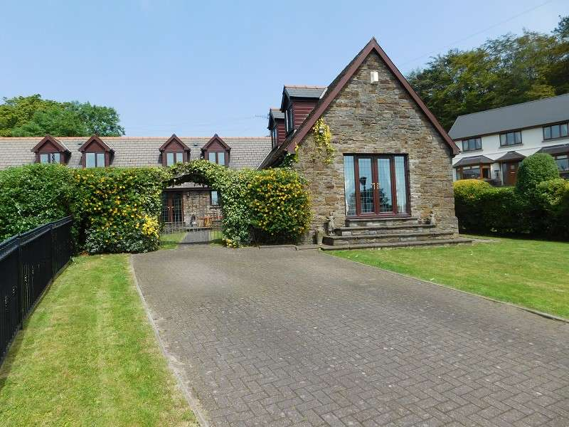 4 Bedrooms Semi Detached House for sale in Brombil Barns, Margam, Port Talbot, Neath Port Talbot. SA13 2SR