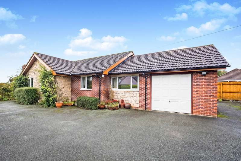 4 Bedrooms Detached Bungalow for sale in Trefonen Road, Morda, Oswestry, Shropshire, SY10