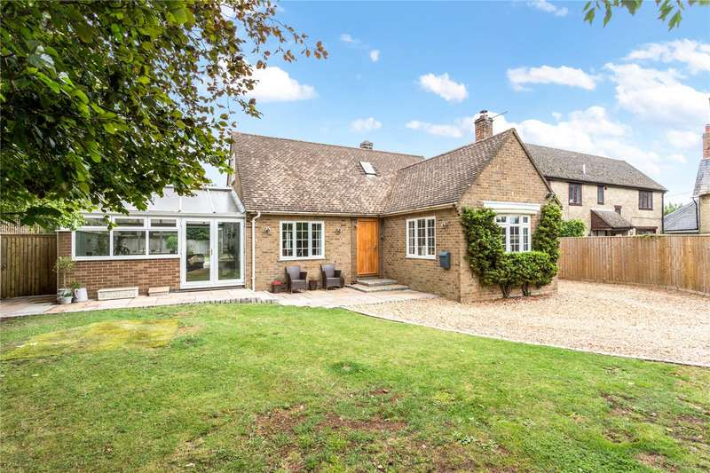 3 Bedrooms Detached House for sale in Mixbury Road, Evenley, Brackley, Northamptonshire, NN13