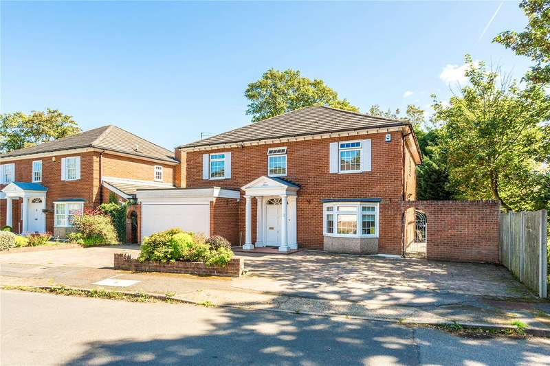 5 Bedrooms Detached House for sale in Grantham Close, Edgware, HA8