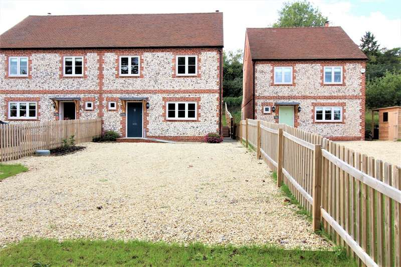 4 Bedrooms Semi Detached House for sale in Nixey Cottages, Nixey Lane