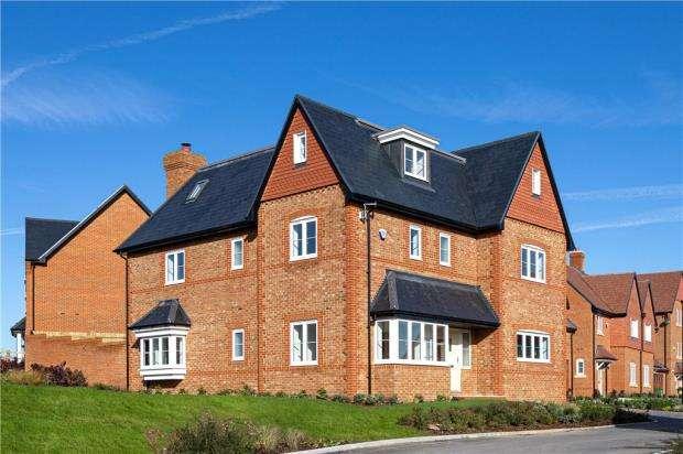 4 Bedrooms Detached House for sale in Woodhurst Park, Warfield, Berkshire