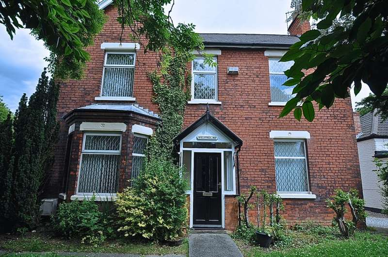 4 Bedrooms Detached House for sale in Wawne Road, Hull, HU7