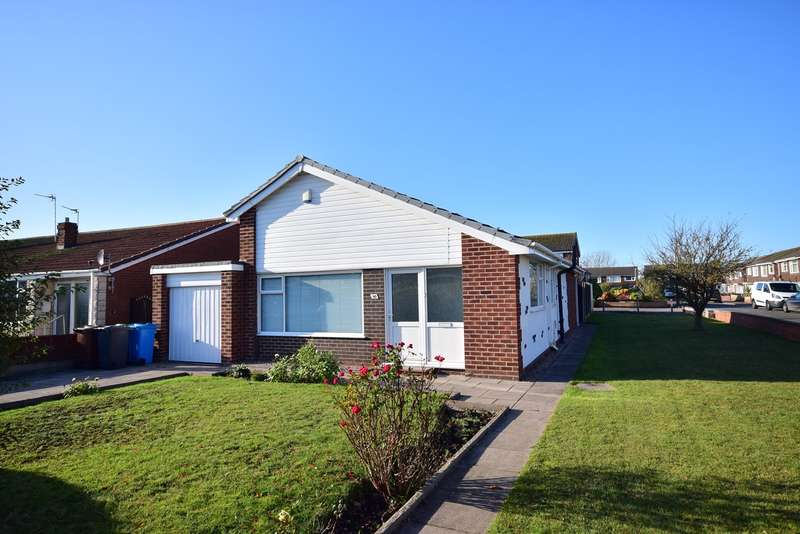 3 Bedrooms Bungalow for sale in Pilling Avenue, Lytham St Annes, FY8