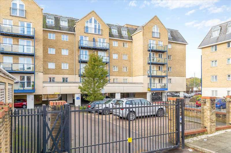 2 Bedrooms Apartment Flat for sale in Clarence Lodge, Hoddesdon