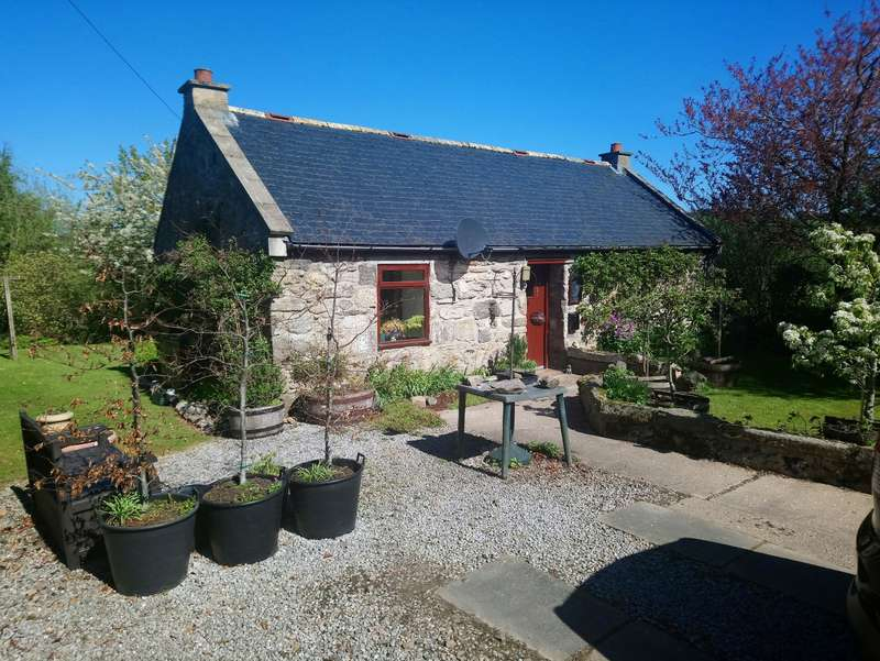 2 Bedrooms Detached Bungalow for sale in Parkhead Croft, Botriphnie, Keith, Banffshire, AB55