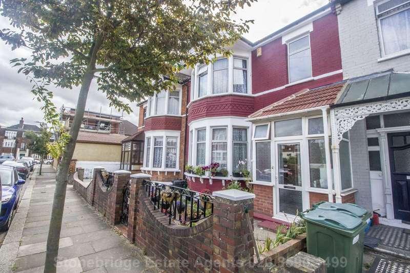 4 Bedrooms Terraced House for sale in Arundel Gardens, Seven Kings, IG3