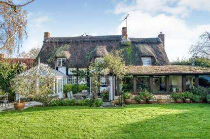 4 Bedrooms Detached House for sale in Blacksmiths Road, Alderton, Tewkesbury, Gloucestershire