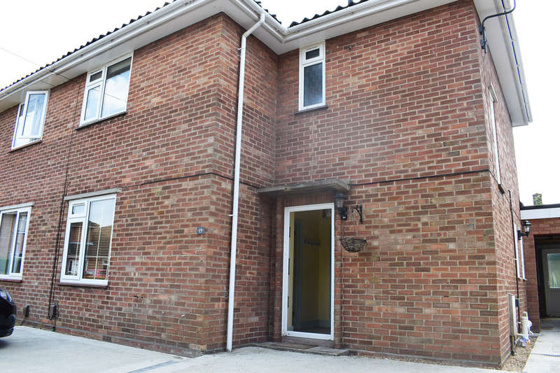 6 Bedrooms Detached House for rent in Sotherton Road, Norwich