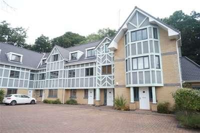 2 Bedrooms Flat for rent in Beechpark Avenue, Northenden M22 4BL