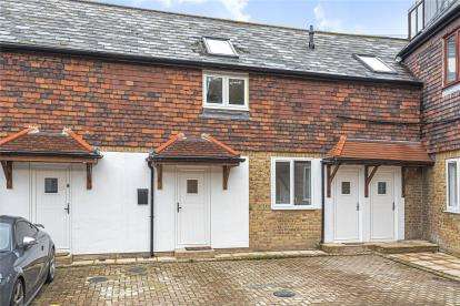 2 Bedrooms Terraced House for sale in Clarence Court, Rushmore Hill, Orpington, Kent