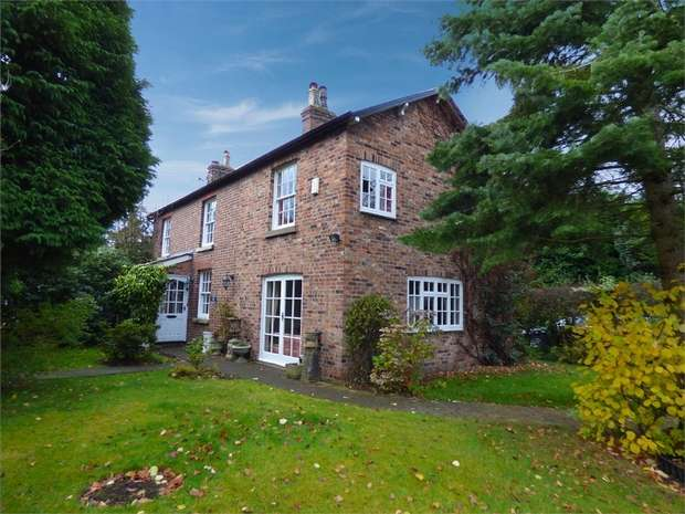 3 Bedrooms Detached House for sale in Holly Lane, Styal, Wilmslow, Cheshire