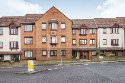 2 Bedrooms Flat for sale in Flat 5, Midland Way, Thornbury