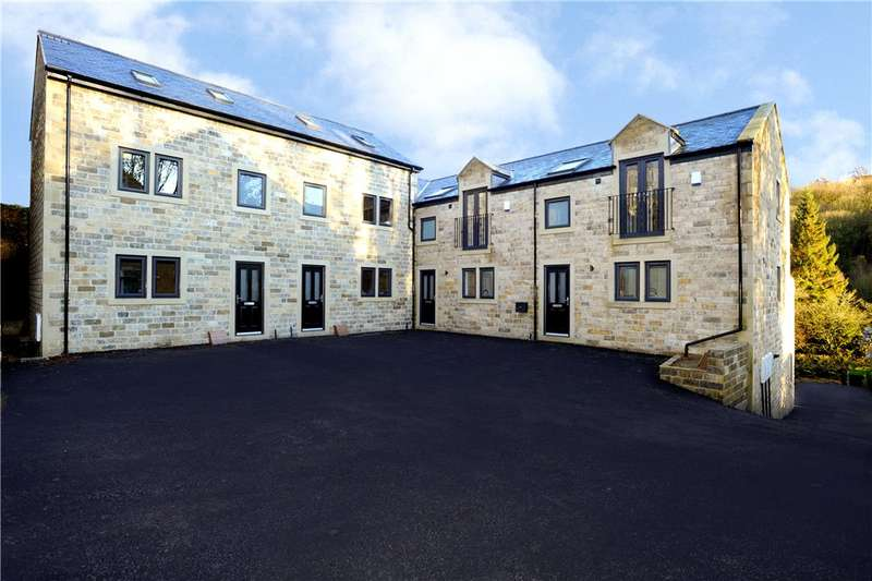 2 Bedrooms Town House for sale in Waterside Close, Sowerby Bridge, West Yorkshire