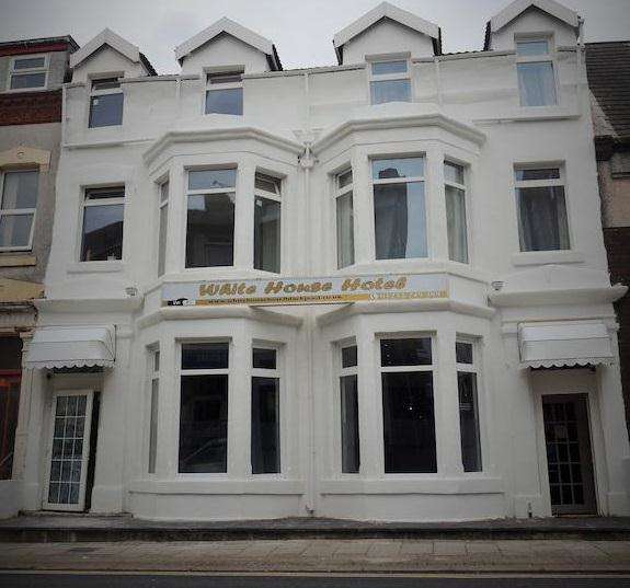 16 Bedrooms Hotel Commercial for sale in Hull Road, Blackpool, FY1 4QB