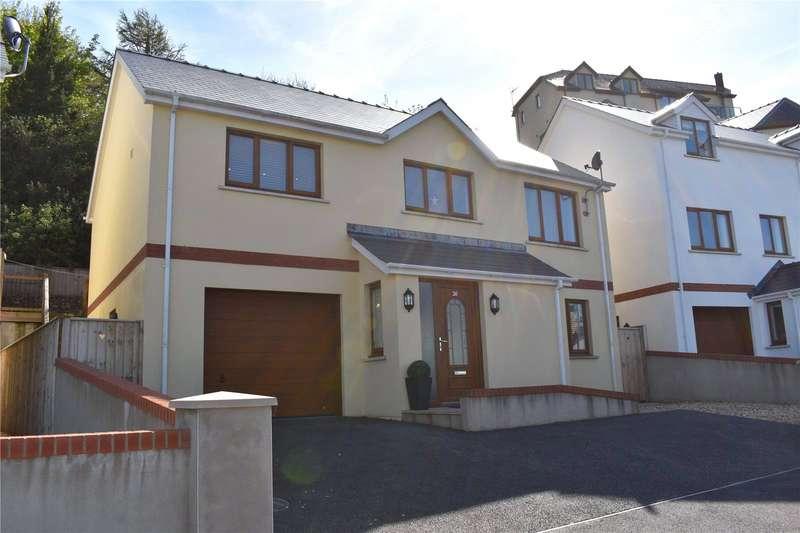 3 Bedrooms Detached House for sale in St Patricks Hill, Llanreath, Pembroke Dock
