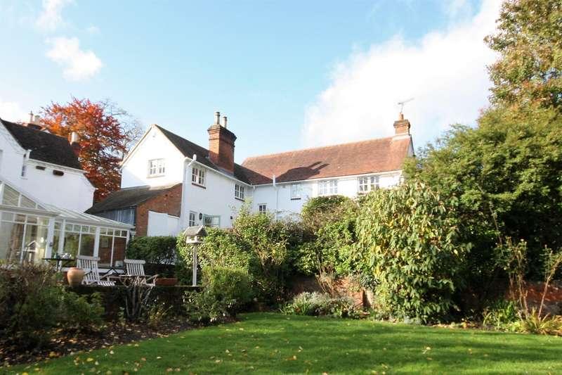 3 Bedrooms Detached House for rent in Sandford Lane,, Woodley, RG5
