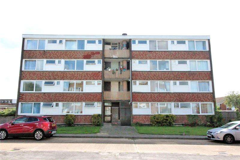 2 Bedrooms Apartment Flat for sale in Eversley Court, Roseberry Avenue, Benfleet, Essex, SS7