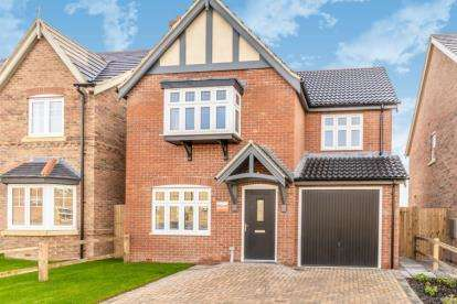 3 Bedrooms Detached House for sale in Manor Farm, St Lawrence Drive, Bardney, Lincolnshire