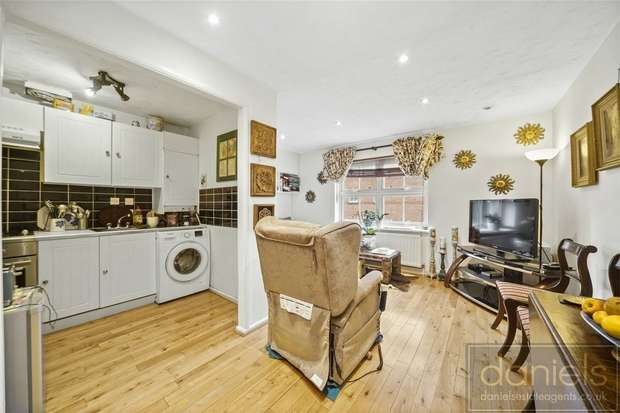 2 Bedrooms Flat for sale in Shaftesbury Gardens, Acton, London