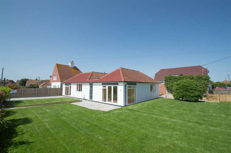 4 Bedrooms Detached Bungalow for sale in Val Prinseps Road, Pevensey Bay, Pevensey