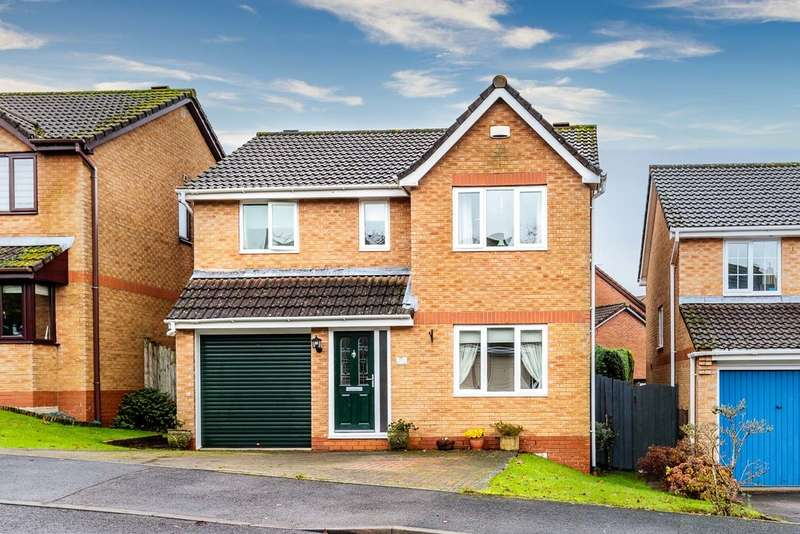 4 Bedrooms Detached House for sale in Claudius Way, Lydney