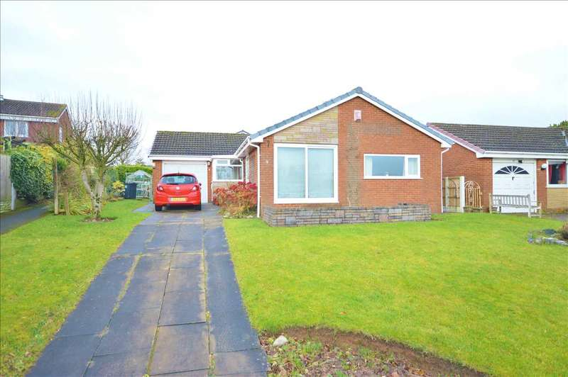 3 Bedrooms Detached Bungalow for sale in Sutton Grove, Great Knowley, Chorley