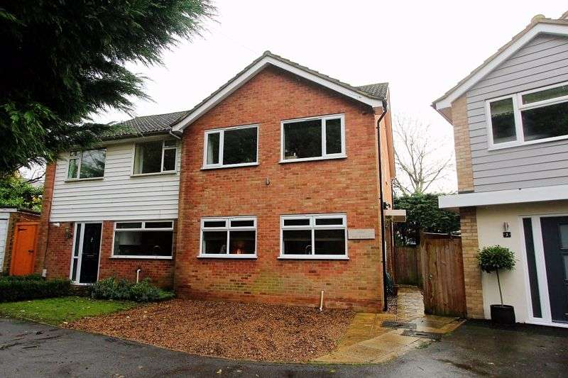 4 Bedrooms Property for sale in Skinners Lane, Ashtead
