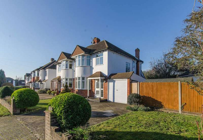 3 Bedrooms Semi Detached House for rent in Austin Avenue, Bromley, BR2