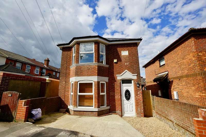 4 Bedrooms Detached House for sale in Weston Grove Road, Woolston, Southampton, SO19 9EE