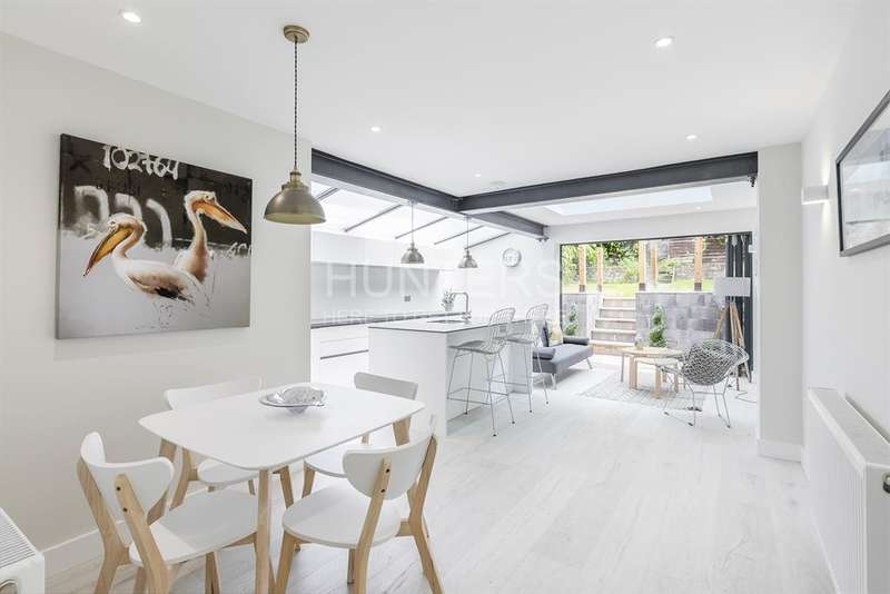 2 Bedrooms Flat for sale in Kingsgate Road, London, NW6