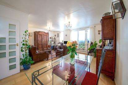 3 Bedrooms Terraced House for sale in Martineau Mews, Highbury, London, .