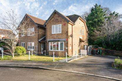 1 Bedroom Flat for sale in Lovedean, Waterlooville, Hampshire