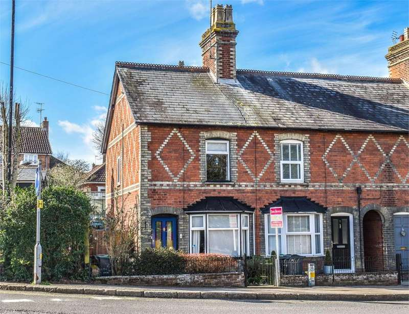 3 Bedrooms Terraced House for sale in The Causeway, Dunmow