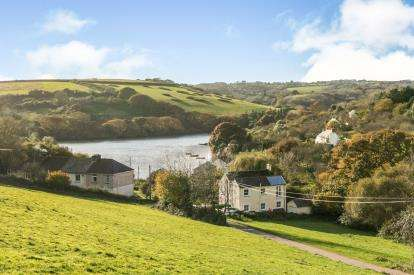 3 Bedrooms Detached House for sale in Kea, Truro, Cornwall