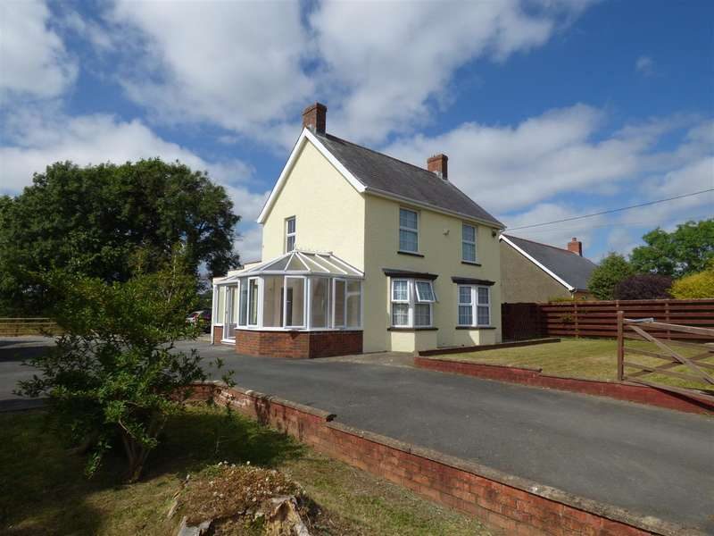 4 Bedrooms Detached House for sale in Lynfield, Clarbeston Road, Haverfordwest