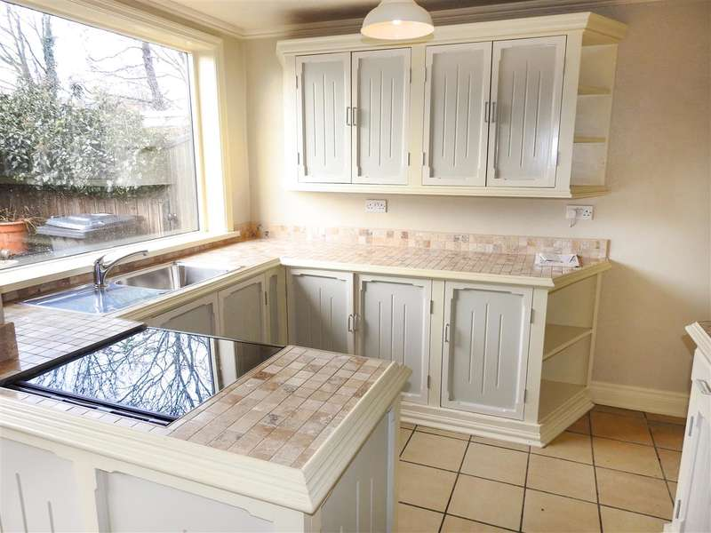 3 Bedrooms Terraced House for sale in Shelley Road, Preston