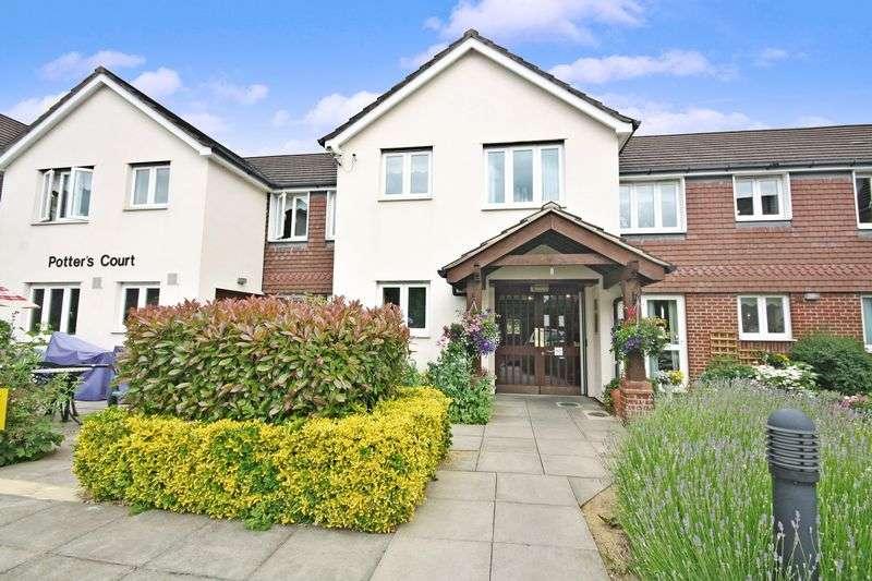 2 Bedrooms Property for sale in Potters Court, Potters Bar, EN6 2HS