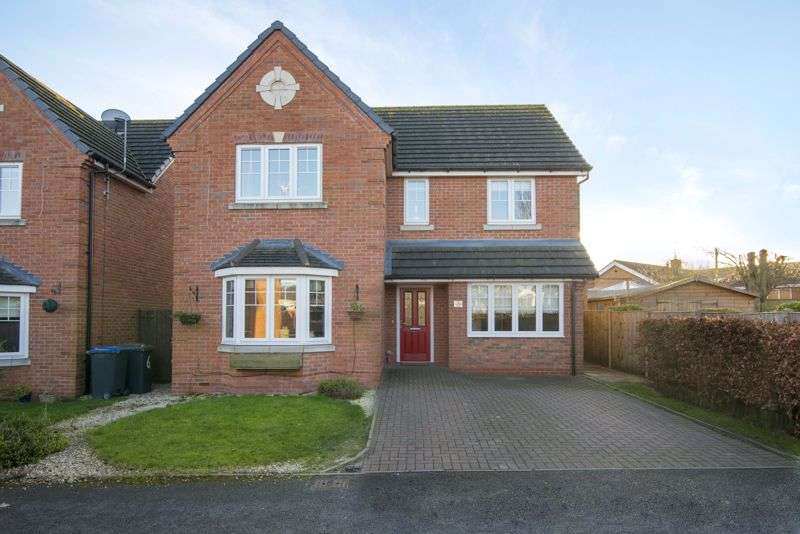 4 Bedrooms Property for sale in Sketchley Court, Hinckley