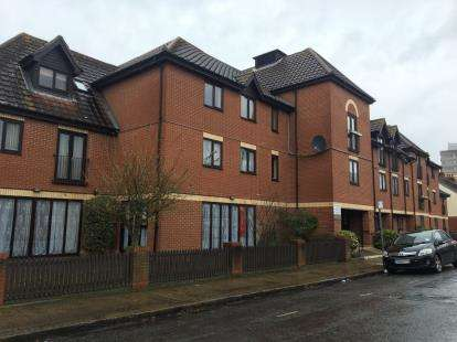 1 Bedroom Retirement Property for sale in Ilford, Essex, United Kingdom