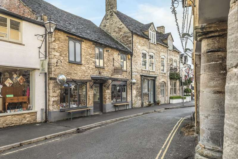 5 Bedrooms Town House for sale in Tetbury